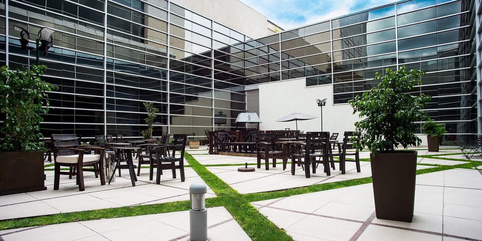 hotel intercontinental mendoza argentina 3 -proyecto-saxum-mineria-industria-construccion-empresas-ingenieria-argentina-litio-cementera